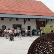 Blick über den Dinkelhof beim Hoffest 2019
